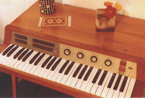 Philicorda pictures for Classic house organ sound